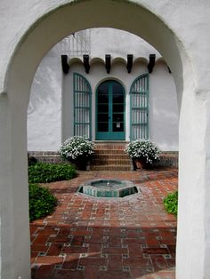 George Washington Smith architectural design photos and images in Montecito and Santa Barbara California