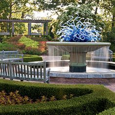 World-renowned glass artist Dale Chihuly created this one-of-a-kind sculpture in 2004 for the Atlanta Botanical Garden's Levy Parterre Fountain.