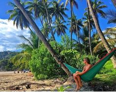 Living easy.  Enjoying that laid-back hammock life from Manuel Antonio via @daynamcc & @macho_cr! #CostaRicaExperts #CostaRica