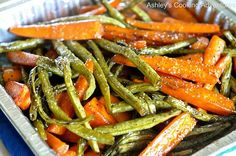 Ashley's Cooking Adventures: Honey Balsamic Glazed Roasted Carrots and Green Beans (Gluten Free) Balsamic Glazed Carrots, Balsamic Green Beans, Honey Balsamic Glaze, Balsamic Vinegar, Honey Carrots, Carrots And Green Beans, Roasted Green Beans, Roasted Carrots, Roasted Vegetables