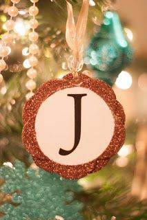 Art and Obsession: Monogram Christmas Ornaments DIY