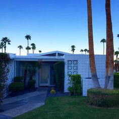New paint on our little Canyon View Estates home makes all the difference! :) #palmsprings #canyonviewestates