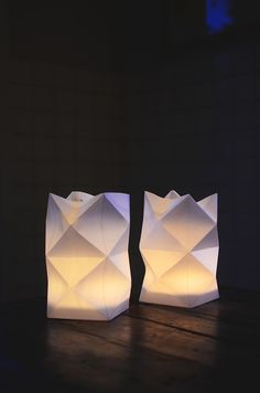 easy diy origami paper lanterns, treated with food oil for more transparency :) Paper Lantern Lights, Paper Lanterns, Lantern Diy, Paper Lamps, Diy Paper, Paper Crafts, Paper Art, Deco Luminaire, Waldorf Crafts
