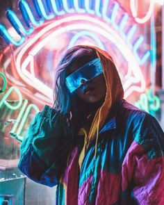 Cyberpunk style is a throwback to the when punk rock was still considered innovative and cool. It involves hackers and science fiction. Cyberpunk Mode, Cyberpunk Kunst, Cyberpunk Girl, Cyberpunk Aesthetic, Cyberpunk Fashion, Cyberpunk 2077, Fashion Goth, Fashion Women, Futuristic Art