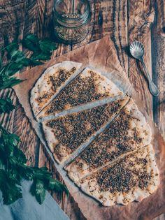 Focaccina senza lievitazione con za'atar // Za'atar flatbread Food Photography