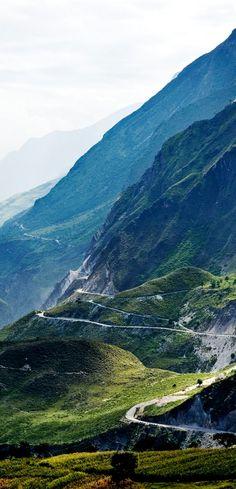 Inland China - Lijiang  I would love to travel down this road haha