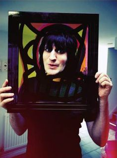 Noel Fielding, all artsy and sexy and stuff.