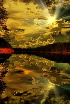 Reflection of the Sunbeams at Sunset... Awesome shot