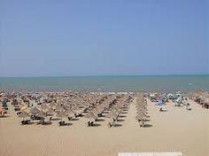 Plazhi i Tales, pastërti dhe hapësira publike për pushuesit