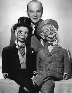 Fred Allen's  Old Time Radio Home: The Charlie McCarthy Show 45-03-11 Joan Blondell -...