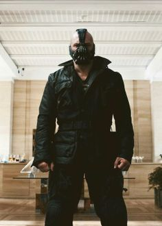 """bane: """"No one cared who I was until I put on the mask"""" <<< false, I've loved you ever since I saw you in Bronson 2008, Tom Hardy <3"""