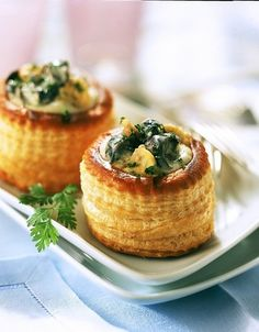 Vol au Vent d'escargot au Riesling Vol Au Vent, Appetizers For Party, Appetizer Recipes, Escargot Recipe, Almond Butter Snacks, Peanut Butter, Tapas, Fingers Food, Pastry Cake