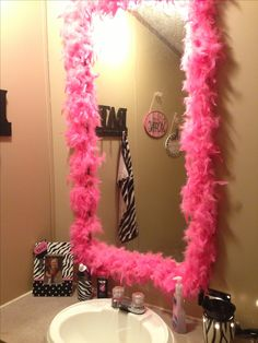 Cute, simple, and non-permanent way to dress up a little girl's bathroom mirror!