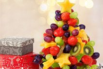 Fruity Christmas tree – Recipes – Slimming World Slimming World Sweets, Slimming World Puddings, Slimming World Recipes, Fruit Christmas Tree, Christmas Makes, Christmas Stuff, Christmas Eve, Christmas Crafts, Syn Free Food