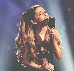 Ariana Grande ; so proud to be a arianator