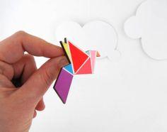 Geometric Brooch Neon 'Origami Bird' por SketchInc en Etsy