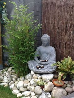 If you are looking for Small Garden Design Ideas, You come to the right place. Below are the Small Garden Design Ideas. This post about Small Garden Design Ideas. Mini Zen Garden, Asian Garden, Diy Garden, Summer Garden, Garden Art, Garden Plants, Balcony Garden, Flower Plants, Garden Water