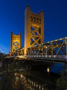 The Tower Bridge is a vertical lift bridge across the Sacramento River, linking West Sacramento in Yolo County to the west, with the capital... -- photo by Carol M. Highsmith