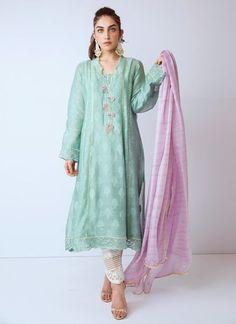 Latest Pakistani Dresses, Pakistani Wedding Outfits, Pakistani Dress Design, Indian Dresses, Pakistani Clothing, Wedding Hijab, Wedding Dresses, Stylish Dresses, Casual Dresses