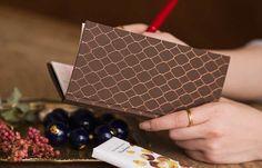 POWDER ROOM NOTEBOOK 白紙のみのシンプルなノートブック 表紙カバー:目の細かい薄手のさらっとしたブラウンの布+金の箔押し