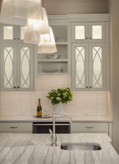 Mercer Island Overlook Kitchen - traditional - kitchen - seattle - Shuffle Interiors