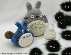 Totoro and Soot Sprites - Free Amigurumi Pattern and Videotutorial here: http://www.amigurumitogo.com/2014/12/totoro-catbus-amigurumi-patterns-free.html