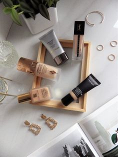 Discover the best long lasting foundations for a flawless complexion #beauty #belleza #beautyblog #makeup #maquillaje #foundations #basesdemaquillaje #mac #charlottetilbury #hourglass #esteelauder #ysl