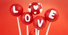 Valentine's Cake Pops Cake Pops di San Valentino  http://www.unadonna.it/san-valentino/regali-fai-da-te-per-san-valentino/81756/