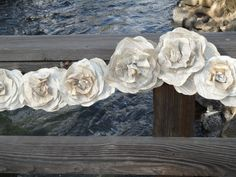 This paper flower garland is perfect for Woodland, Beach. Vintage, Shabby Chic, Modern Urban and Rustic Barn Weddings! Also a great decoration for home decor st