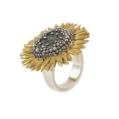 Sheena Mcmaster sterling silver and gold large sunflower ring - can't help but be happy when you look at this ring! Cute Jewelry, Jewelry Rings, Jewelery, Silver Jewelry, Vintage Jewelry, Flower Jewelry, Sunflower Ring, Sunflower Jewels, Silver Pendant Necklace