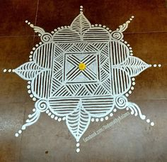 35 Best Mandala Rangoli designs to try - Wedandbeyond Rangoli Designs Simple Diwali, Rangoli Simple, Indian Rangoli Designs, Rangoli Designs Flower, Free Hand Rangoli Design, Rangoli Border Designs, Rangoli Patterns, Colorful Rangoli Designs, Rangoli Designs Images
