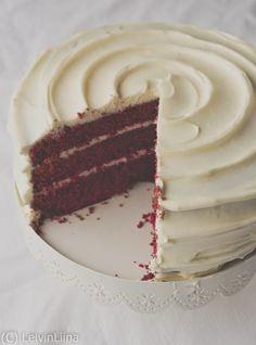 LeivinLiina: Red Velvet -kakku Mary Berry, Piece Of Cakes, Red Velvet, Christmas Candy, Vanilla Cake, Tart, Berries, Cupcakes, Yummy Food