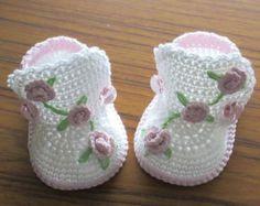 Crochet baby boots,Crochet baby shoes,Crochet booties,Crochet roses by NPhandmadeCreations on Etsy Crochet Baby Boots, Booties Crochet, Crochet Baby Clothes, Crochet Shoes, Baby Blanket Crochet, Baby Booties, Bunny Blanket, Knitted Baby, Baby Knitting Patterns