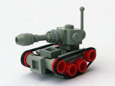 LEGO Micro Tank (via legoloverman)