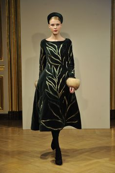 Melodious humming about ancient Russian traditions. Symbolizing harmony, fortune telling, immortal and treated by men as a heaven sent saint. Yulia Yanina FW12/13 Haute Couture http://www.missfashionnews.com/2012/07/08/yanina-fw12-haute-couture/