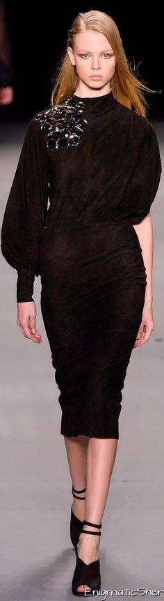 Filhas de Gaia Winter 2014 Ready-To-Wear