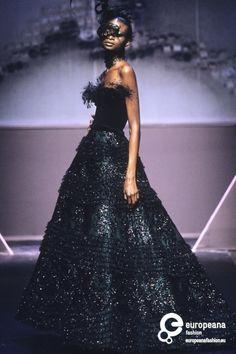 Valentino, Autumn-Winter 1997, Couture on www.europeanafashion.eu