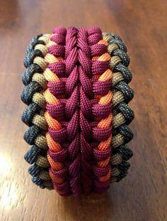 Nice bracelet or belt. Paracord Tutorial, Paracord Knots, 550 Paracord, Paracord Bracelets, Paracord Braids, Parachute Cord, Bijoux Diy, Micro Macrame, Crochet