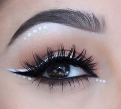 Remove Mascara from Eyes lashes? Mascara is very important thing in doing makeup . Mascara enhance the beauty our eyes lashes. Sexy Eye Makeup, Rave Makeup, No Eyeliner Makeup, Skin Makeup, Makeup Art, Eyeliner Ideas, Makeup Ideas, White Eye Makeup, Eyeliner Pencil