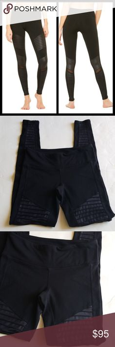 "Alo leggings size XS Excellent condition  With mesh Measures  waist 12.5"" Rise 7.5"" inseam 28"" ALO Yoga Pants Leggings"