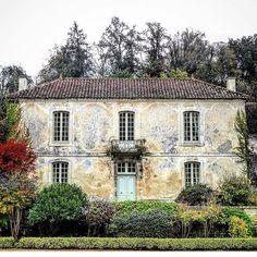 @nicholas.keeble France! #frencharchitecture #france #architecture