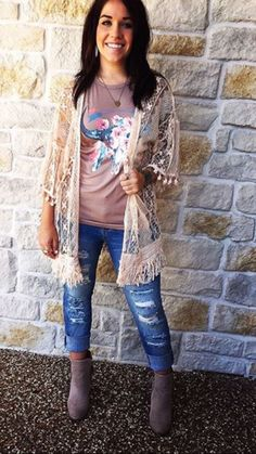 Graphic t, lace/crochet kimono rodeo outfits, fall country concert outfit, country Rodeo Outfits, Edgy Outfits, Western Outfits, Western Wear, Cute Outfits, Fashion Outfits, Concert Outfits, Country Chic Outfits, Western Style