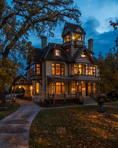 Allyn Mansion in Delavan, WI