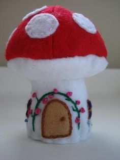 Felt  Mushroom cottage