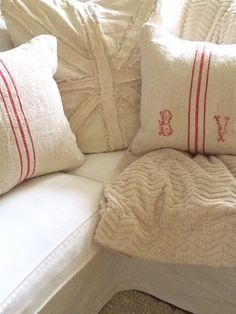Grain Sack Pillows {Farmhouse Christmas Inspiration}