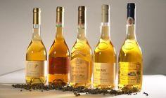 The golden, sweet wines of Tokaj Wine Region - Hungary Hungarian Cuisine, Hungarian Recipes, Wine Society, Wine Guy, Moving To England, Sweet Wine, Types Of Wine, In Vino Veritas, Wine Time