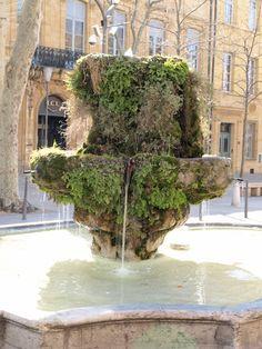 Cours Mirabeau à Aix et ses fontaines mousseuses Aix En Provence, Haute Provence, Provence France, Water Fountains, Garden Fountains, Cascades, Southern France, Formal Gardens, Paris Photography