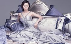 Fan Bingbing / 范冰冰 photo shoot in a bed Fan Bingbing, My Fair Princess, Actress Fanning, Chinese Actress, Satin Dresses, Asian Beauty, Movie Stars, Asian Girl, Fans