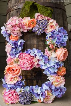 Love this floral monogram - insanely easy and cute!
