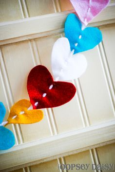 Felt heart garland from @Alison (Oopsey Daisy)